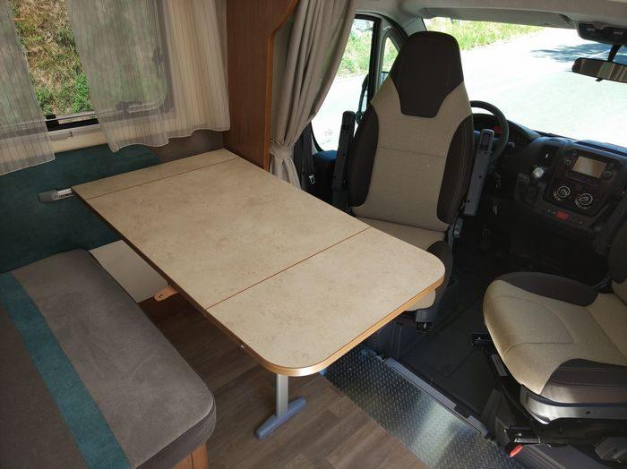 Autocaravana adaptada para silla de ruedas Blucamp Sky Free