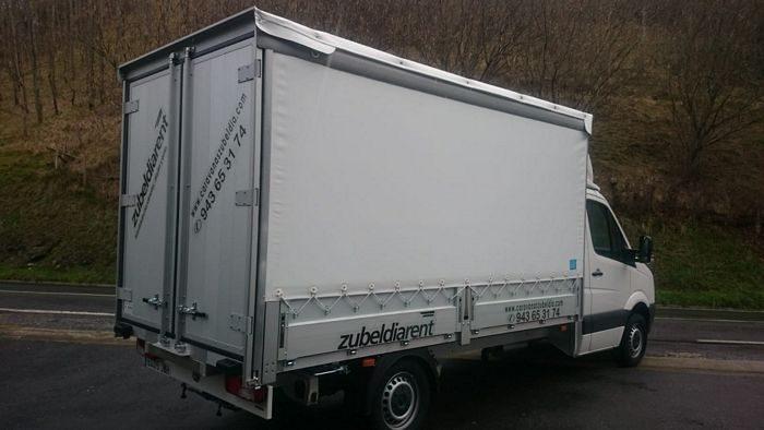 Furgón de carga Volkswagen Crafter caja abierta con toldo