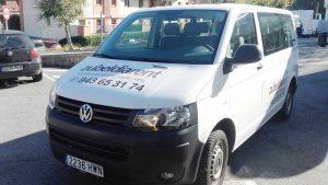 Furgoneta de pasajeros Volkswagen Transporter en alquiler