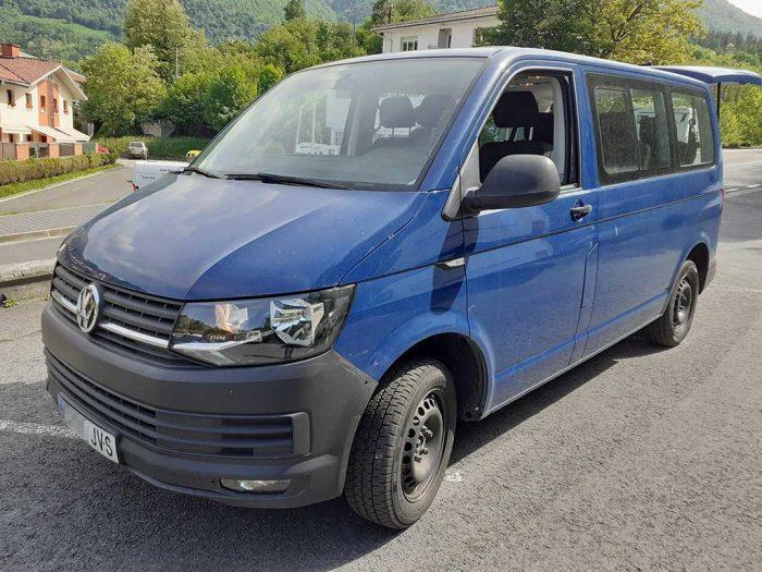 Furgoneta de alquiler Volkswagen Transporter Kombi