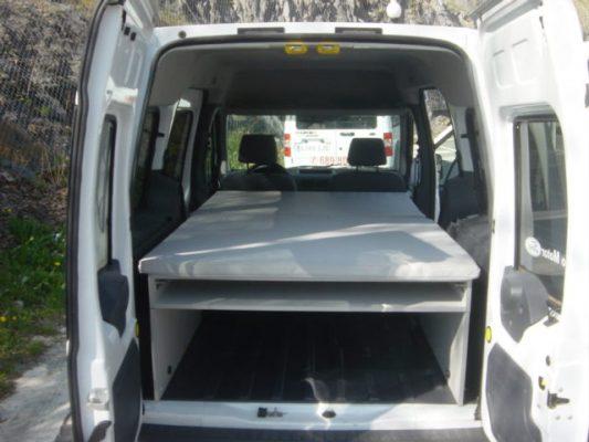 Furgoneta con camas Ford Tourneo