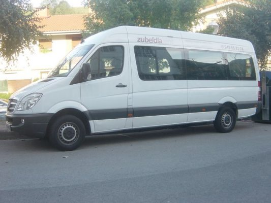 Minibús Mercedes Sprinter con 9 literas