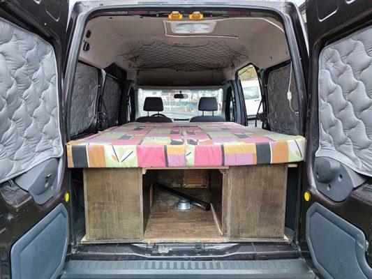 Cámper Ford Tourneo con camas